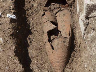 Trieste scavi archeologici e restauro monumento via dei capitelli